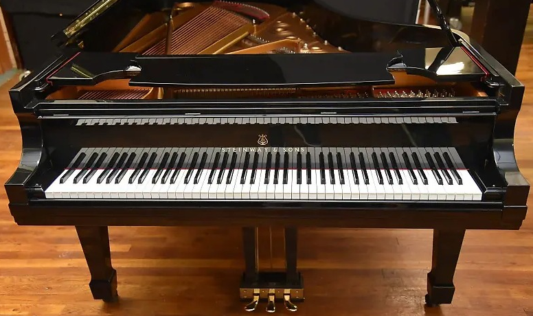 Types of Pianos